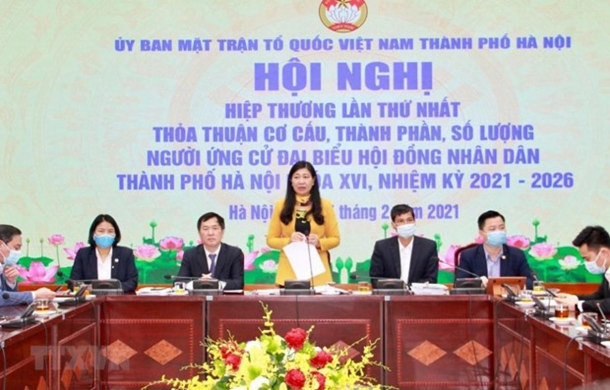 Chủ tịch Ủy ban Mặt trận Tổ quốc Việt Nam thành phố Hà Nội Nguyễn Lan Hương phát biểu tại Hội nghị Hiệp thương lần thứ nhất nhằm thỏa thuận về cơ cấu, thành phần, số lượng người ứng cử đại biểu Quốc hội khóa XV và Hội đồng Nhân dân thành phố khóa XVI. (Nguồn: TTXVN)