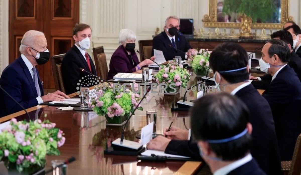 Tổng thống Mỹ tiếp Thủ tướng Nhật Bản (Ảnh: Reuters)