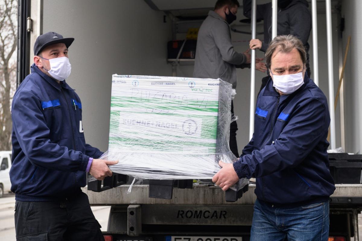 EU sẽ gửi 651.000 liều vaccine ngừa Covid-19 của BioNTech/Pfizer tới 6 nước Tây Balkan. Ảnh: EC