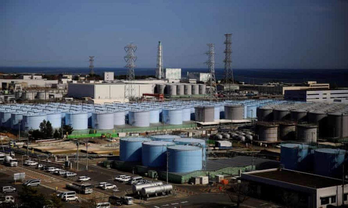 Các bể chứa nước đã qua xử lý tại nhà máy điện hạt nhân Fukushima Daiichi. Ảnh: Reuters.