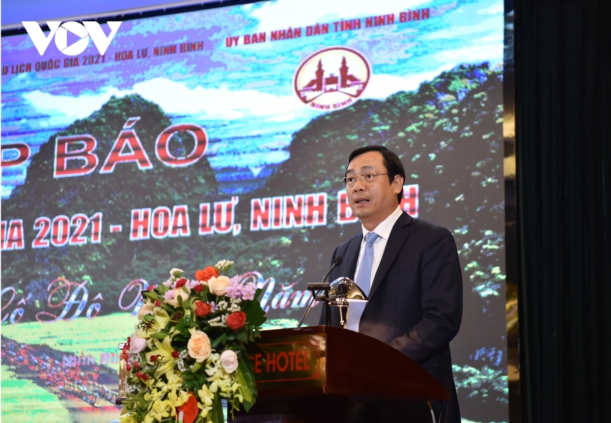 Nguyen Trung Khanh, director general of the Vietnam National Administration of Tourism addresses the event