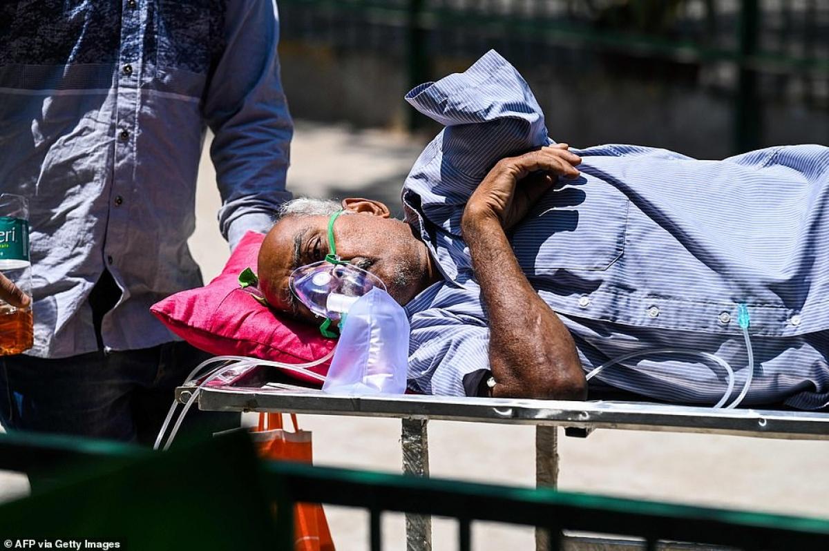 Làn sóng Covid-19 thứ 2 đang quét qua các bệnh viện Ấn Độ, dẫn tới tình trạng thiếu oxy và nhiều ca tử vong.
