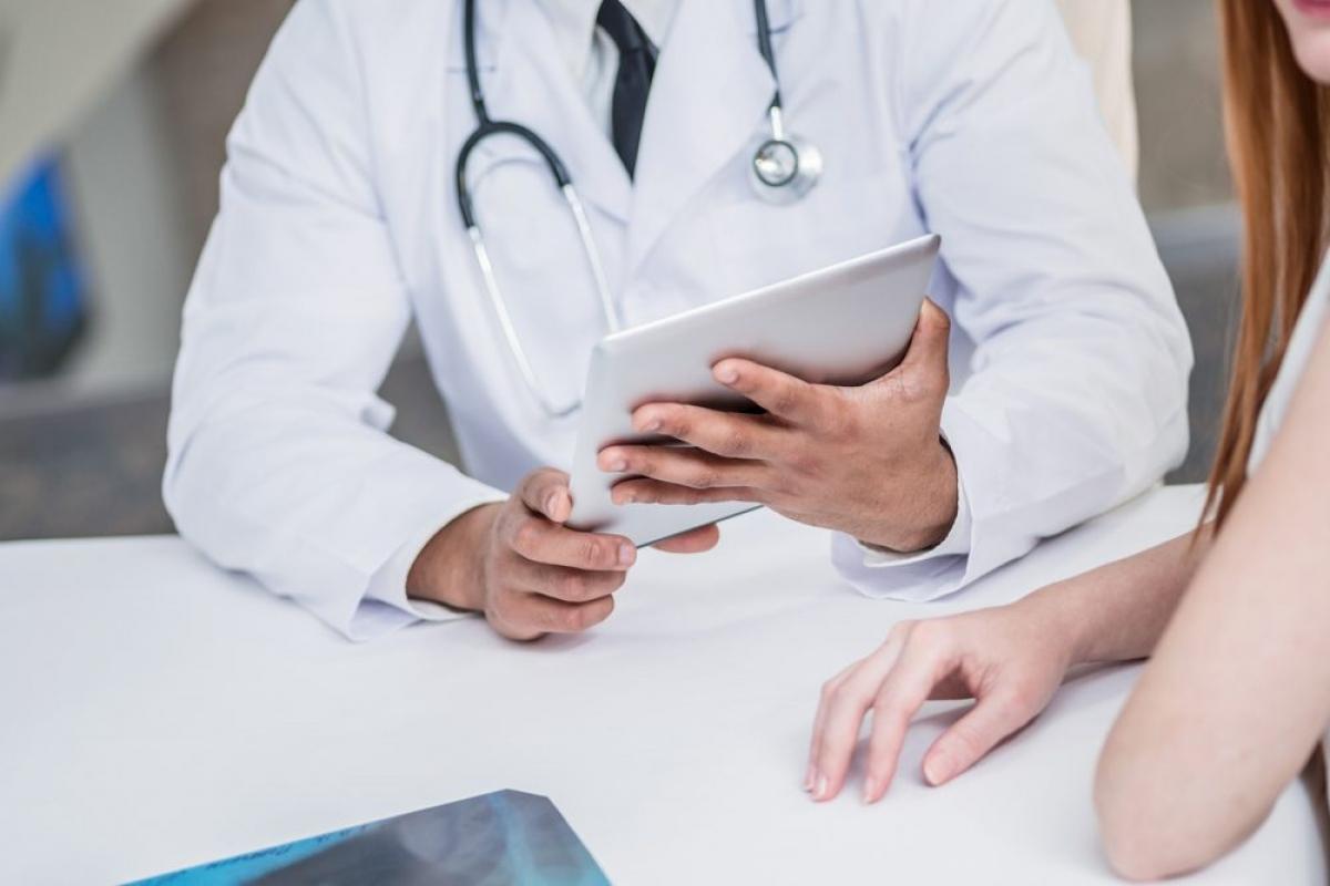 Bạn không có triệu chứng: Điều đáng sợ hơn cả các triệu chứng là khi bạn nhiễm những loại ký sinh trùng chẳng gây ra triệu chứng nào. Để phát hiện ra chúng, bạn có thể cần xét nghiệm máu, xét nghiệm phân, chụp X-quang và trải qua nhiều dạng kiểm tra khác./.