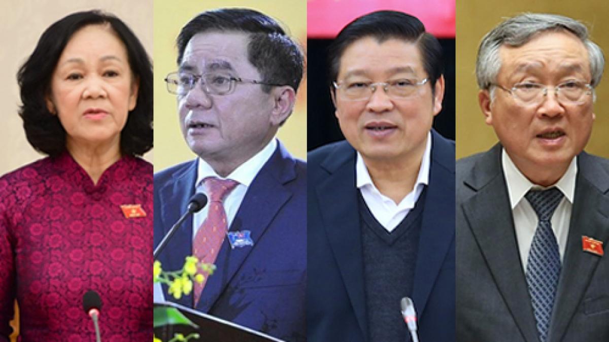 4Ủyviên Bộ Chính trị tham gia Ban Bí thư: Bà Trương Thị Mai, ông Trần Cẩm Tú, ông Phan Đình Trạc, ông Nguyễn Hòa Bình (từ trái qua)