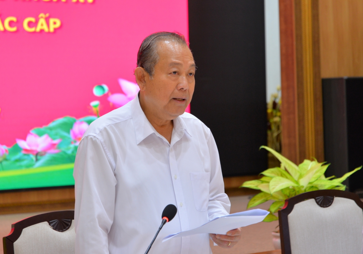 Phó Thủ tướng Thường trực Chính phủ Trương Hòa Bình làm việc với tỉnh Đồng Tháp.