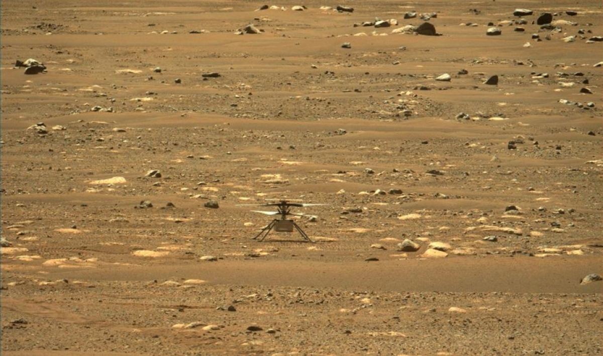 Trực thăng sao Hỏa Ingenuity ngay sau khi hoàn thành bài kiểm tra quay tròn tốc độ cao ngày 16/4/2021. Ảnh: NASA