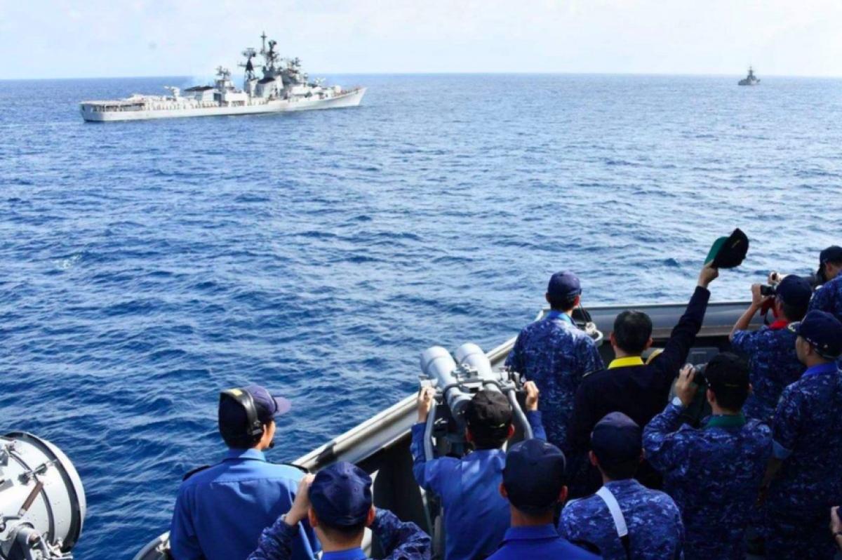 Một cuộc tập trận chung của hải quân Ấn Độ và Nhật Bản. Ảnh: Twitter.