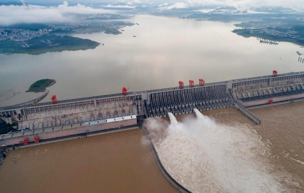 Một đập thuỷ điện trên sông Brahmaputra. (Ảnh: Indiandefencereview)