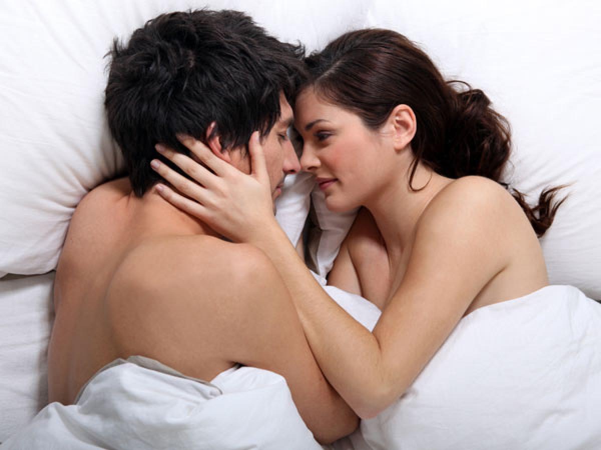 Mẹo số 1: Hãy đảm bảo rằng bạn cố gắng hết sức để kiểm soát và giảm thiểu căng thẳng, lo âu trong cuộc sống, bởi căng thẳng là một trong những nguyên nhân chính gây suy giảm sức khỏe tình dục.