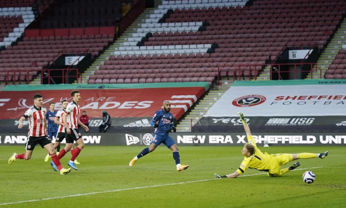 Alexandre Lacazette lập cú đúp giúp Arsenal giành trọn 3 điểm. (Ảnh: Getty)