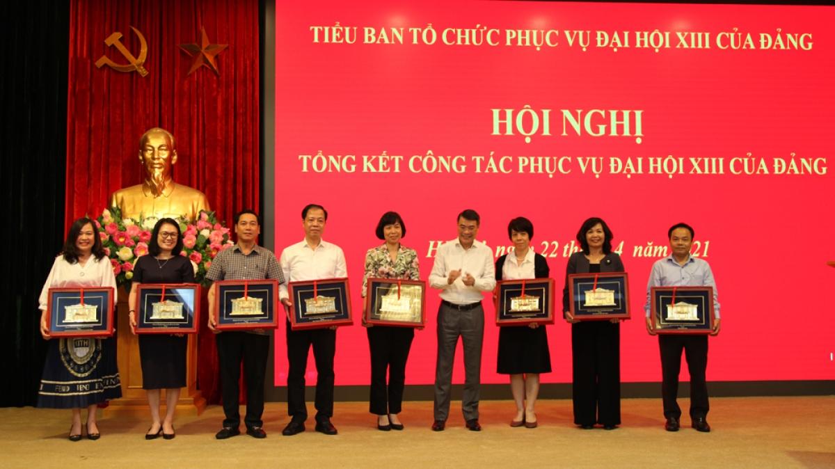 Ghi nhận sự đóng góp của các đơn vị thành viên của Tiểu ban.