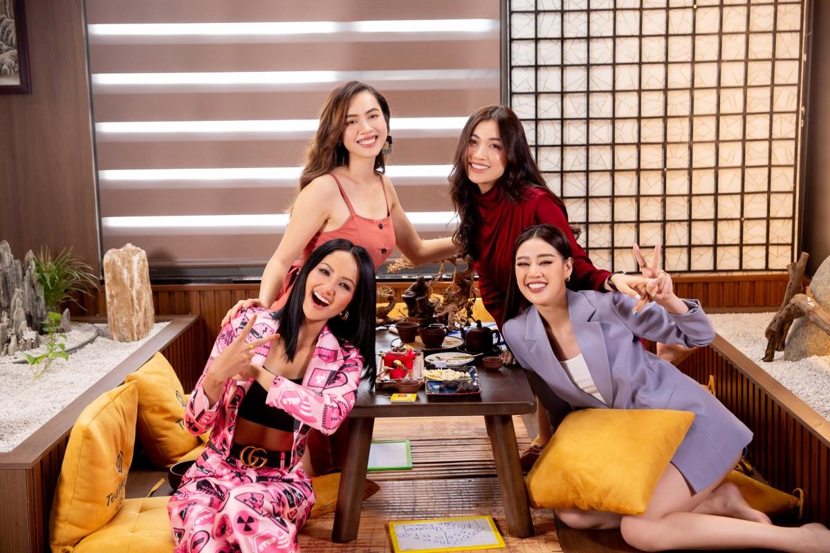 Hoa hậu H'Hen Niê, Hoa hậu Khánh Vân, Á hậu Hoàng My và Á hậu Lệ Hằng.
