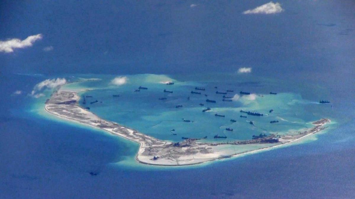Mỹ và Philippines quan ngại về số lượng tàu dân quân biển Trung Quốc trên Biển Đông. Ảnh: BBC
