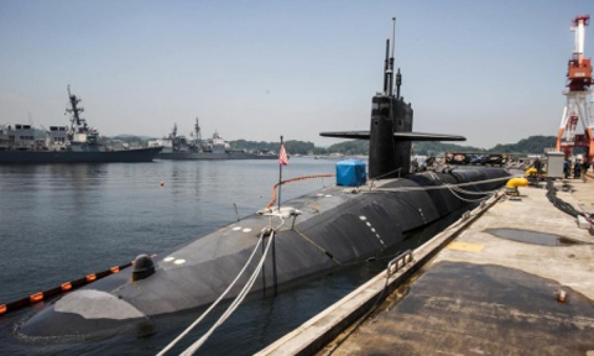 Tàu ngầm USS Michigan neo đậu tại căn cứ Hạm đội 7 của hải quân Mỹ ở Yokosuka, Nhật Bản. Ảnh: Hải quân Mỹ.