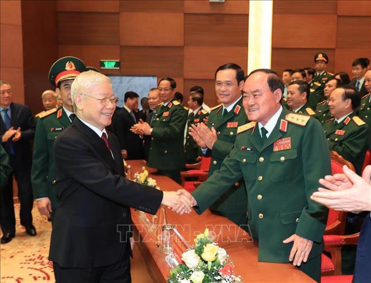 Tổng Bí thư Nguyễn Phú Trọng với các đại biểu tham dự Lễ kỷ niệm. Ảnh: Trọng Đức/TTXVN