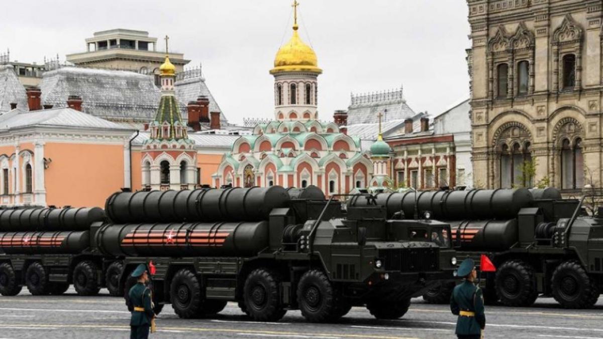 Tên lửa của Nga trong một cuộc duyệt binh Ngày Chiến thắng. Ảnh: Getty