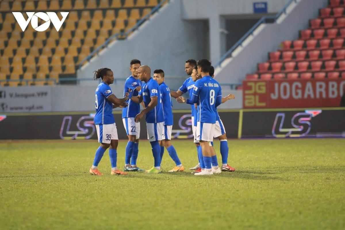 Than Quảng Ninh đang xếp nhì bảng V-League 2021. (Ảnh: Minh Hoàng).