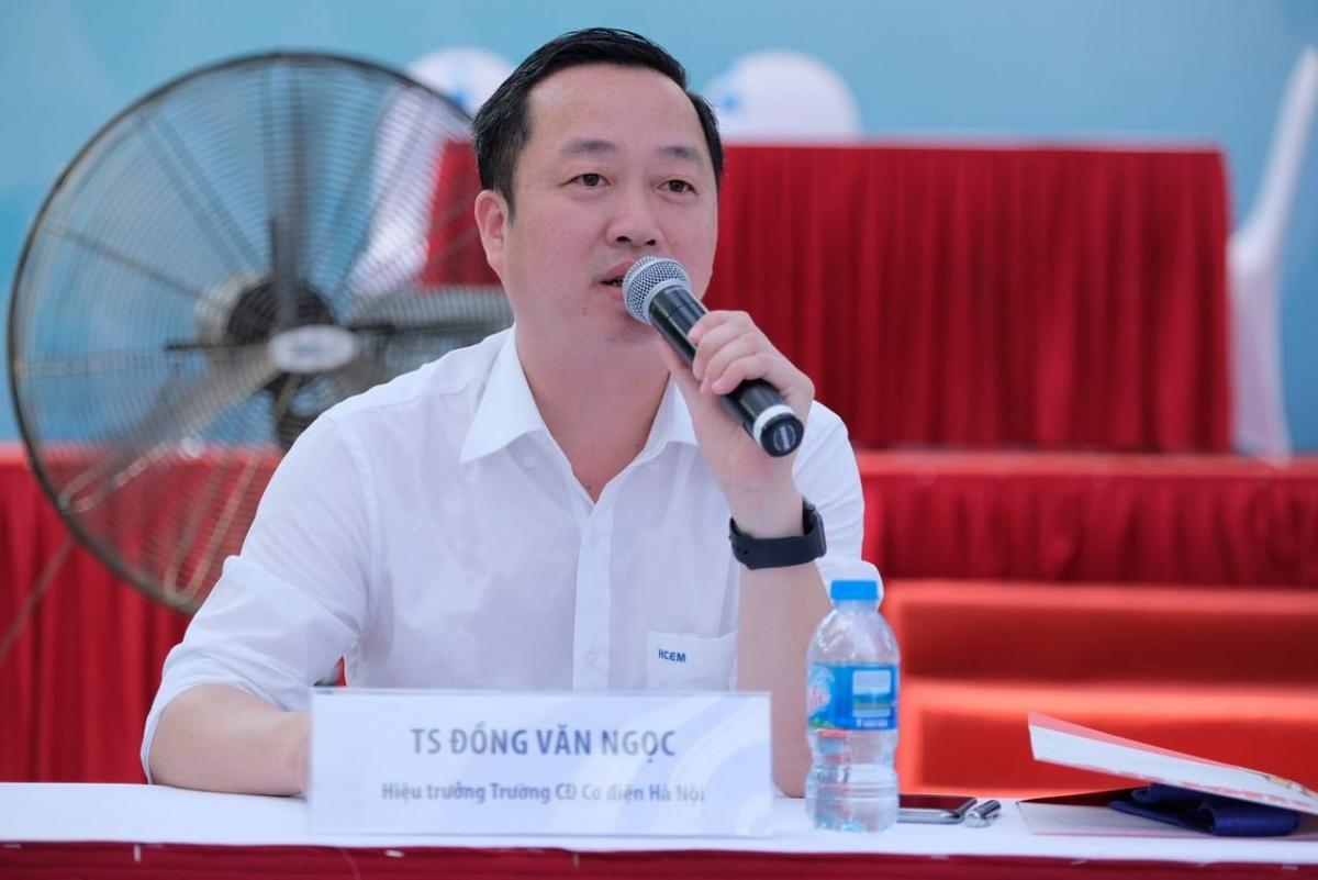 TS Đồng Văn Ngọc, Hiệu trưởng trường Cao đẳng Cơ điện Hà Nội.