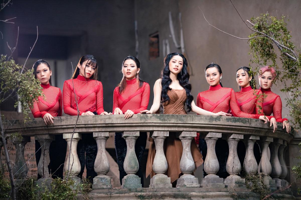 Âm nhạc cùng sự hiện diện của Chi Pu còn là một phần của câu chuyện phim
