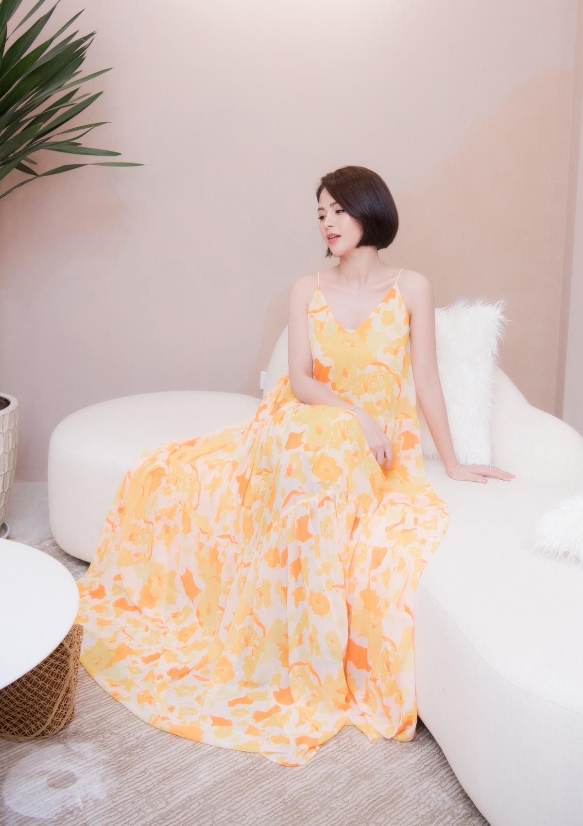 Nhờ vậy mà thời gian gần đây cô liên tục nhận được nhiều lời mời tham gia các sự kiện và thường xuyên xuất hiện trong những bộ trang phục lộng lẫy.