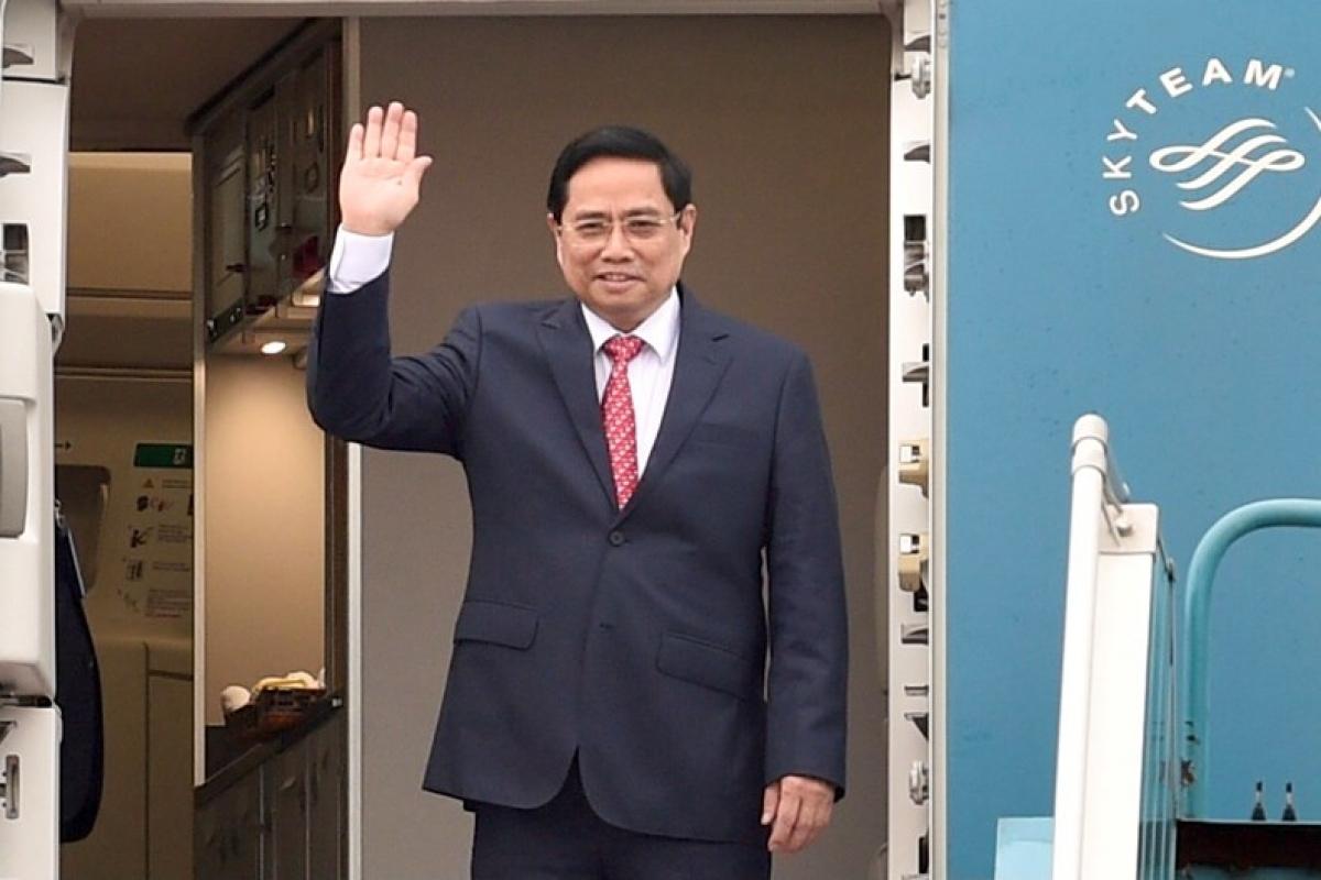 Thủ tướng Chính phủ Phạm Minh Chính lên đường tham dự Hội nghị các Nhà Lãnh đạo ASEAN được tổ chức tại Indonesia, ngày 23/4. Ảnh: VGP/Nhật Bắc