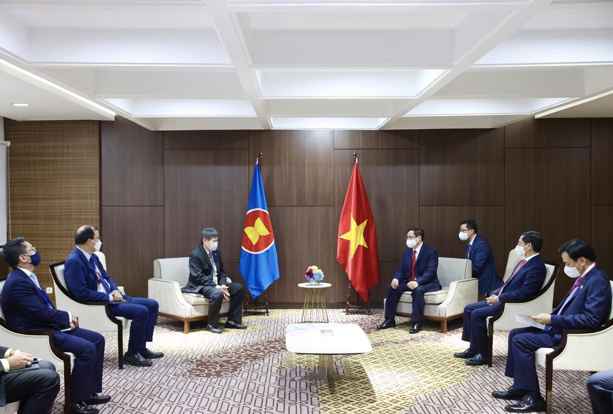 Thủ tướng Chính phủ Phạm Minh Chính tiếp Tổng Thư ký ASEAN Lim Jock Hoi nhân dịp tham dự Hội nghị các nhà Lãnh đạo ASEAN tại trụ sở Ban Thư ký ASEAN (Jakarta, Indonesia).