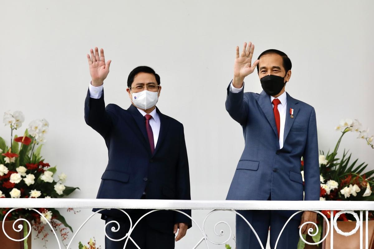 Thủ tướng Phạm Minh Chính và Tổng thống Indonesia Joko Widodo- Ảnh: VGP/Nhật Bắc