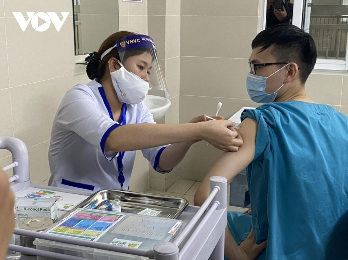Ảnh minh họa tiêm vaccine phòng COVID-19.
