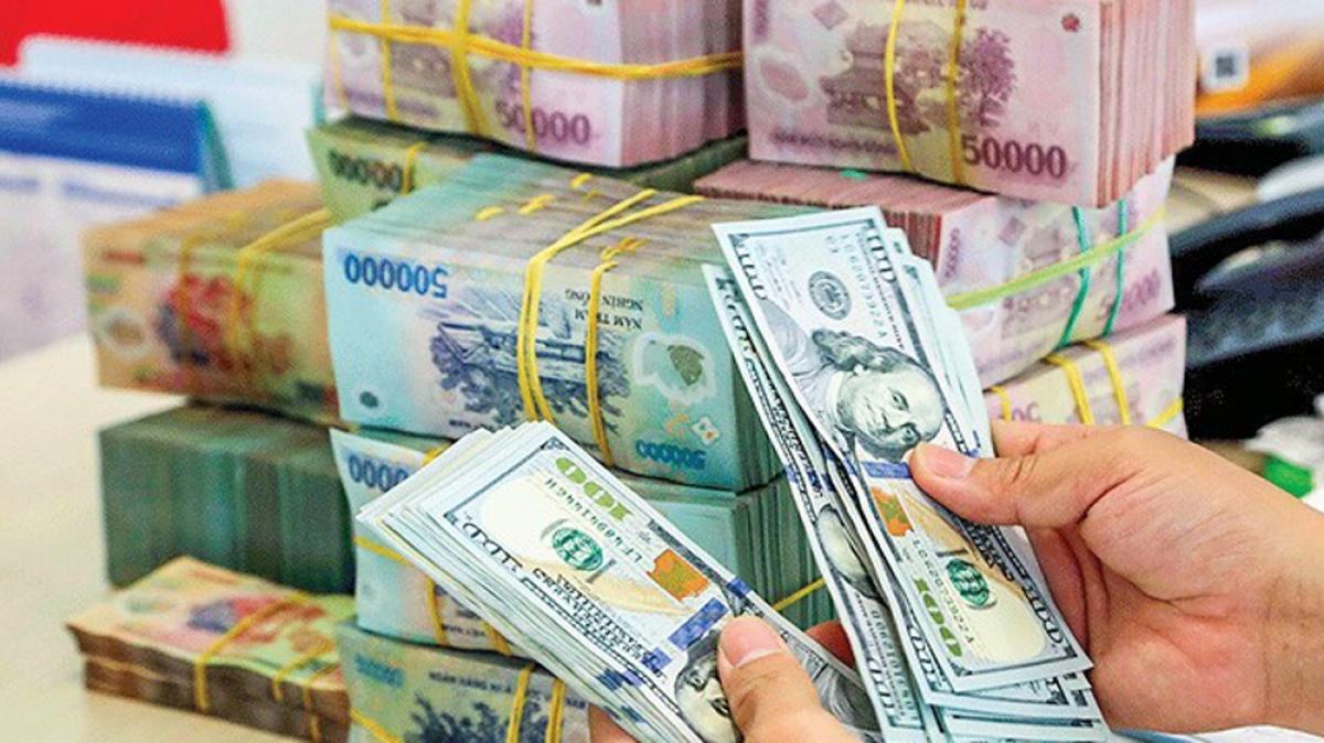 Ngân hàng Nhà nước Việt Nam sẽ tiếp tục phối hợp các bộ ngành để kiểm soát lạm phát, ổn định kinh tế vĩ mô, không làm mất cân bằng cán cân thương mại vãng lai. (Ảnh minh họa: KT)