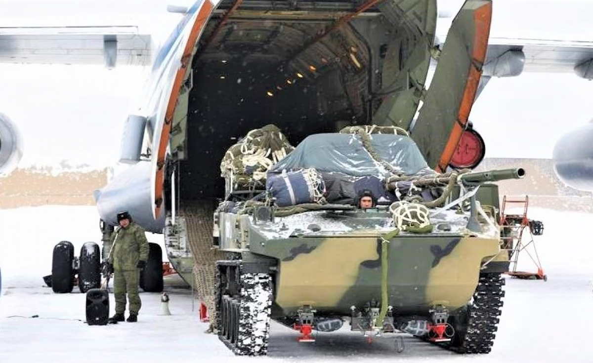 Lực lượng Dù Nga có nhiều phương pháp và hệ thống dù để thả các trang thiết bị, xe máy quân sự; Nguồn: topwar.ru
