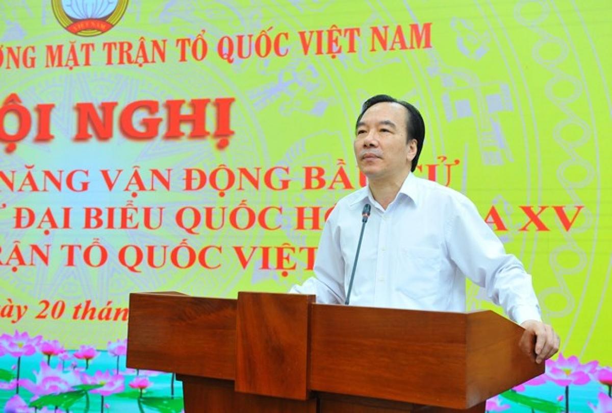 Phó Chủ tịch Ngô Sách Thực phát biểu tại Hội nghị. Ảnh: MTTQ VN
