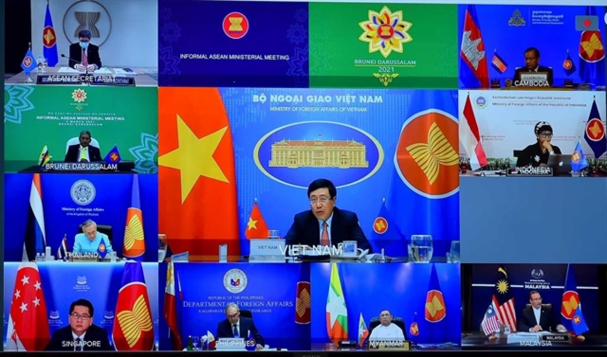 Một cuộc họp trực tuyến của ASEAN. Ảnh: KT