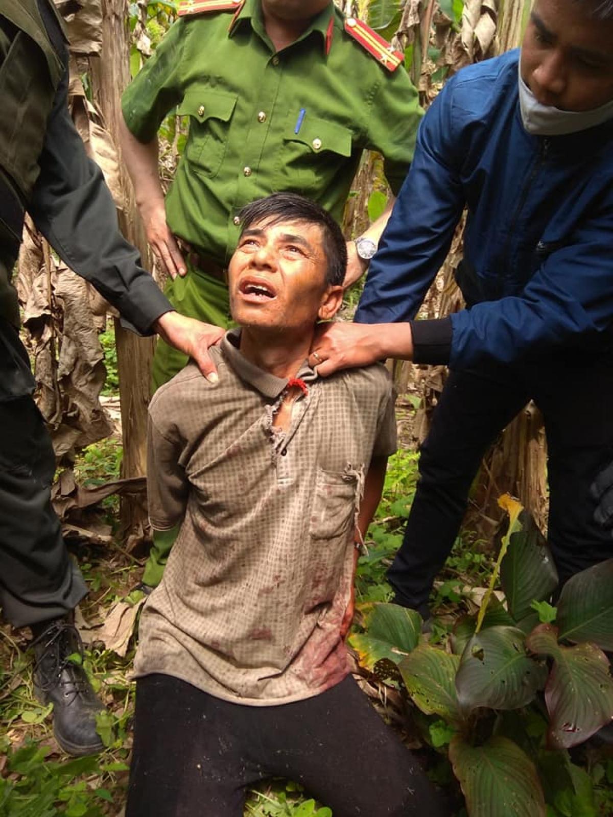 Truy bắt thành công đối tượng hạ sát bố đẻ sau 5 giờ gây án ở Sơn La.