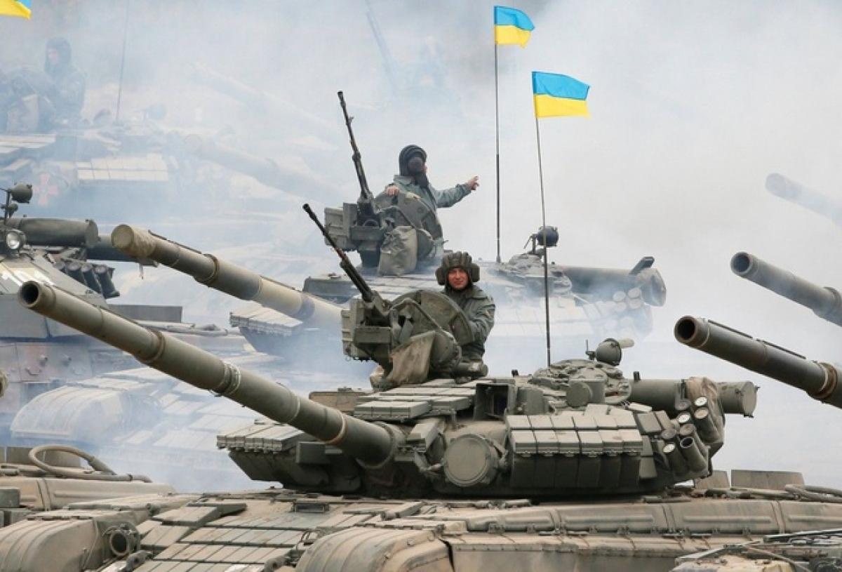Ukraine cũng triển khai nhiều lực lượng gần Donbass. Ảnh: