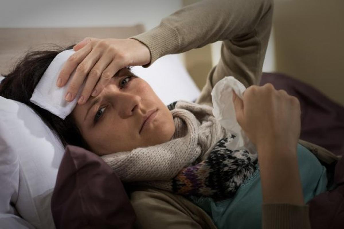 Sốt: Một số người khi bị viêm ruột thừa sẽ bị sốt cao. Nếu cơn sốt cao kéo dài, kèm với cảm giác ớn lạnh, đó còn có thể là dấu hiệu viêm màng bụng, một dạng viêm nặng ở lớp mô mỏng trong khoang dạ dày.