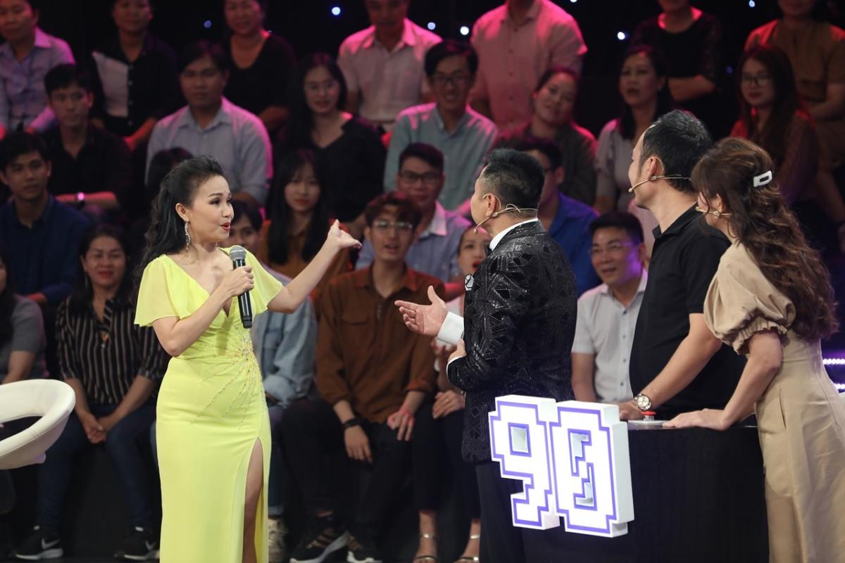 Ca sĩ Cẩm Ly tham gia chương trình