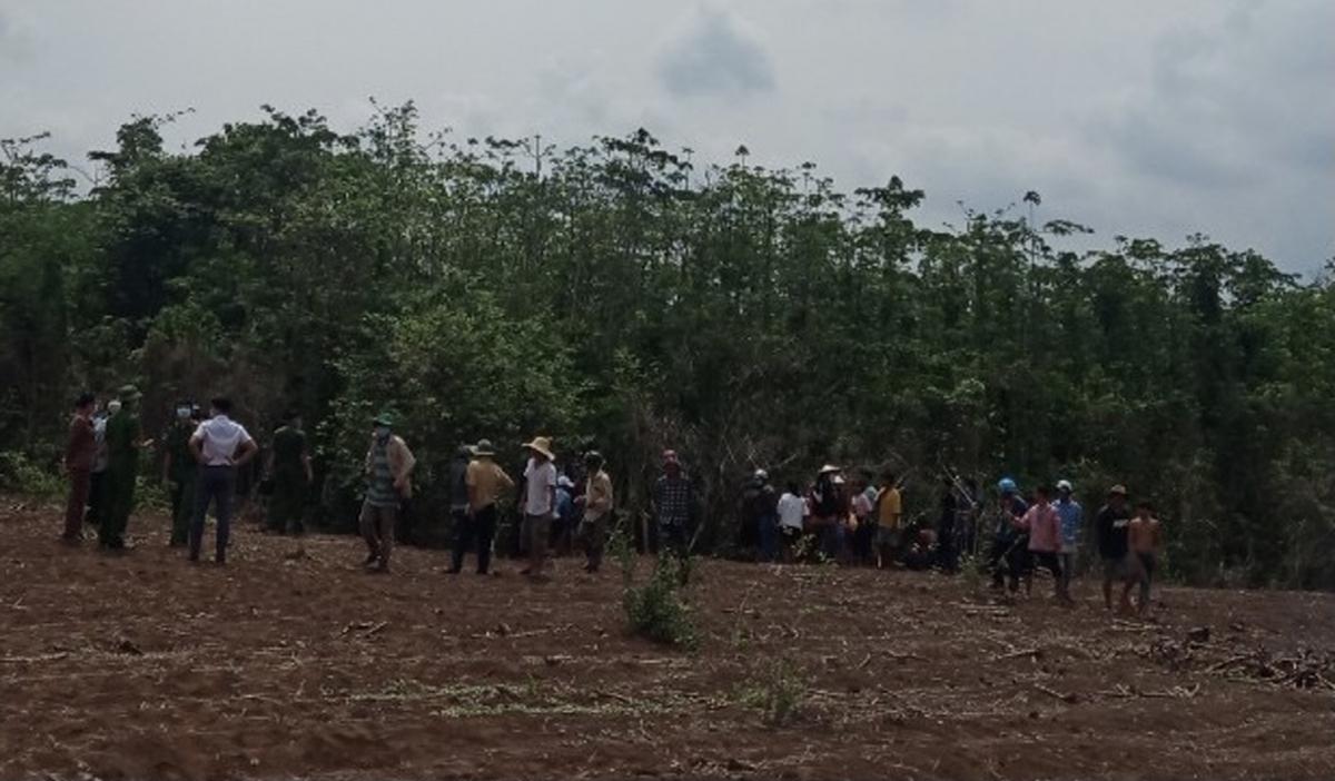 Người dân phát hiện thi thể người đàn ông trong vườn tiêu ở Bà Rịa-Vũng Tàu.