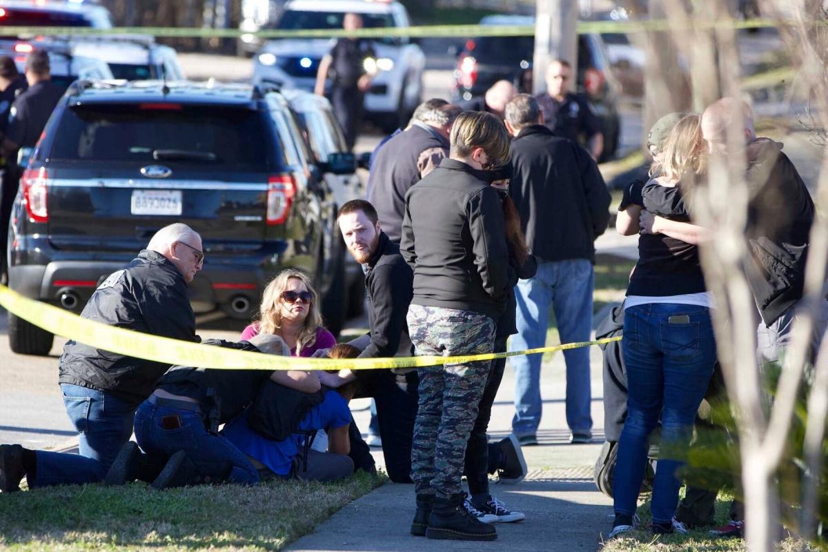 Hiện trường một vụ xả súng ở Mỹ. Ảnh: New York Times