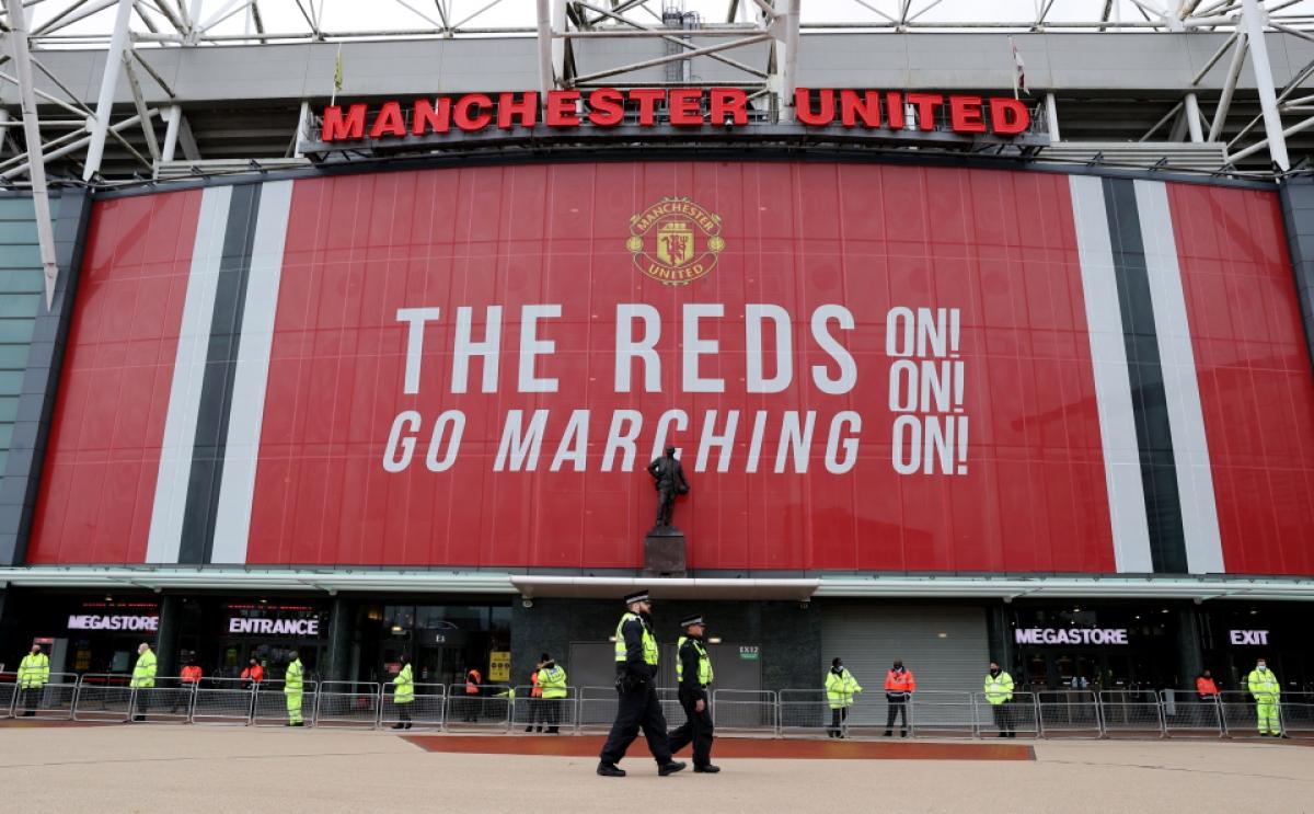 Để đảm bảo trận đấu không bị hoãn lần nữa, ban lãnh đạo MU phối hợp cùng BTC Ngoại hạng Anh đã tăng cường lực lượng an ninh quanh sân Old Trafford.