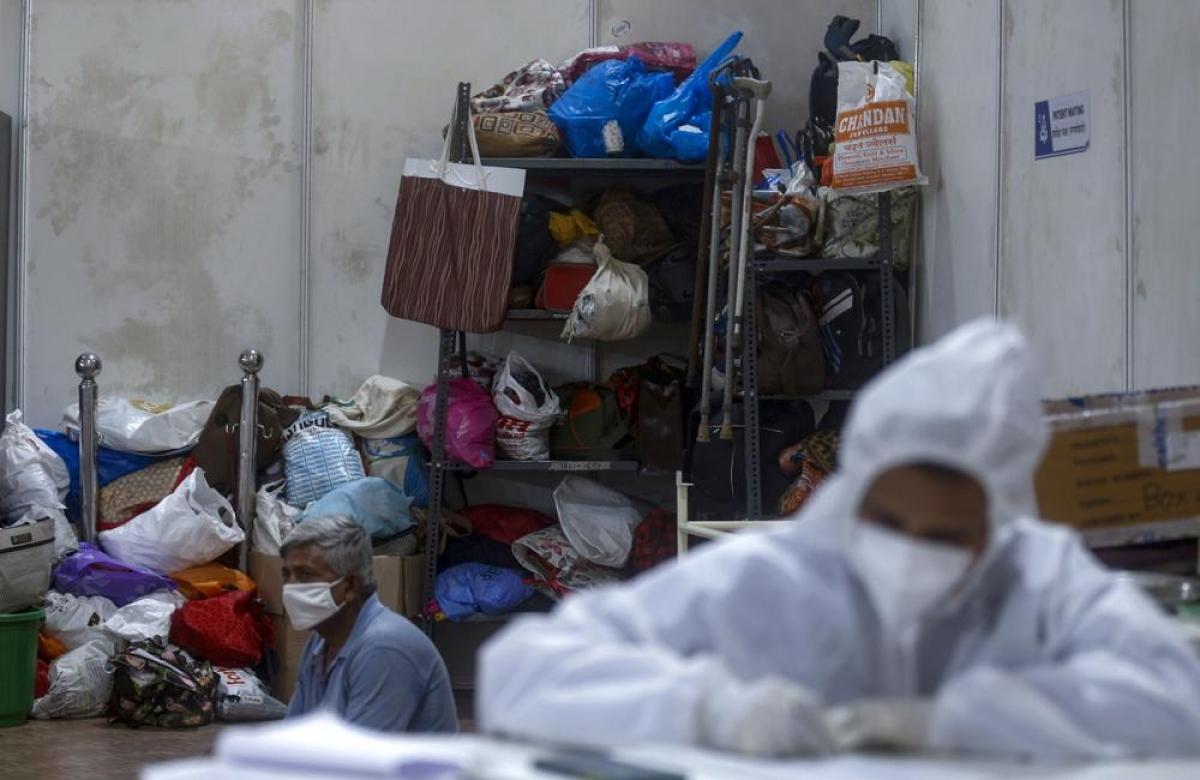 Maharashtra là một trong những bang chịu ảnh hưởng nặng nề nhất từ đại dịch Covid-19 ở Ấn Độ. Số ca mắc Covid-19 tăng cao đã khiến các cơ sở điều trị như bệnh viện dã chiến BKC trở nên quan trọng. Bang Maharashtra đã báo cáo hơn 5 triệu ca mắc Covid-19 và hơn 75.000 ca tử vong kể từ khi dịch bệnh bùng phát.