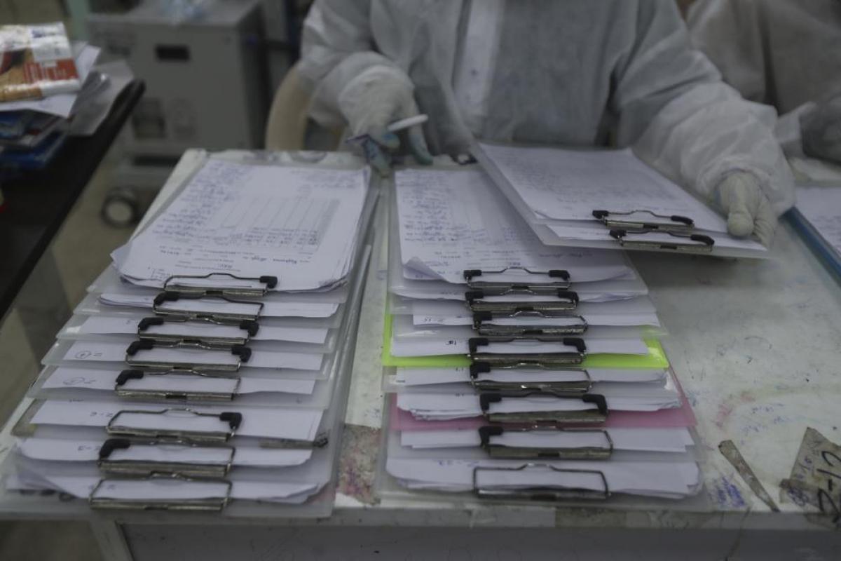 Hồ sơ y tế của bệnh nhân mắc Covid-19 điều trị tạibệnh viện.