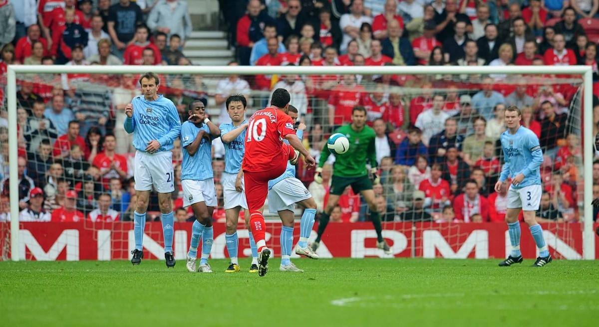 Hình ảnh từ trận đấu Man City để thua Middlesbrough 1-8 ngày này 13 năm trước. (Ảnh: Getty).