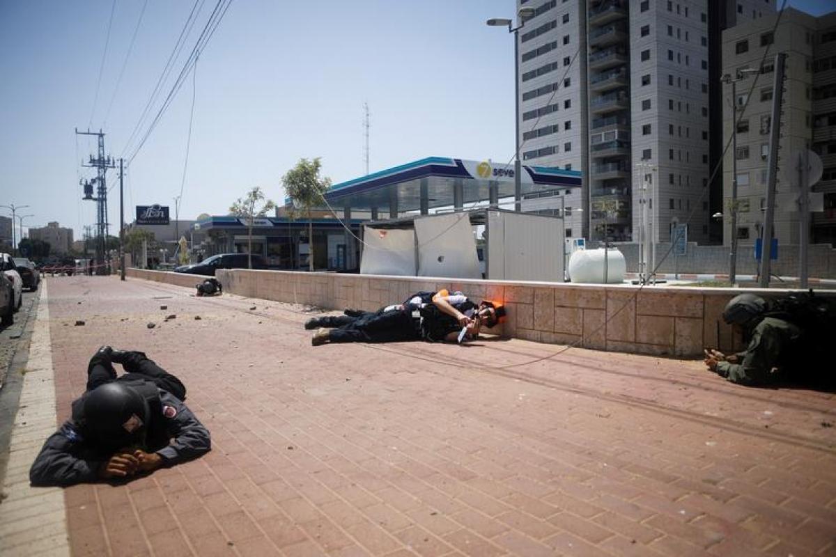 Các lực lượng an ninh Israel đã hình thành phản xạ phòng thân khi còi báo động vang lên.