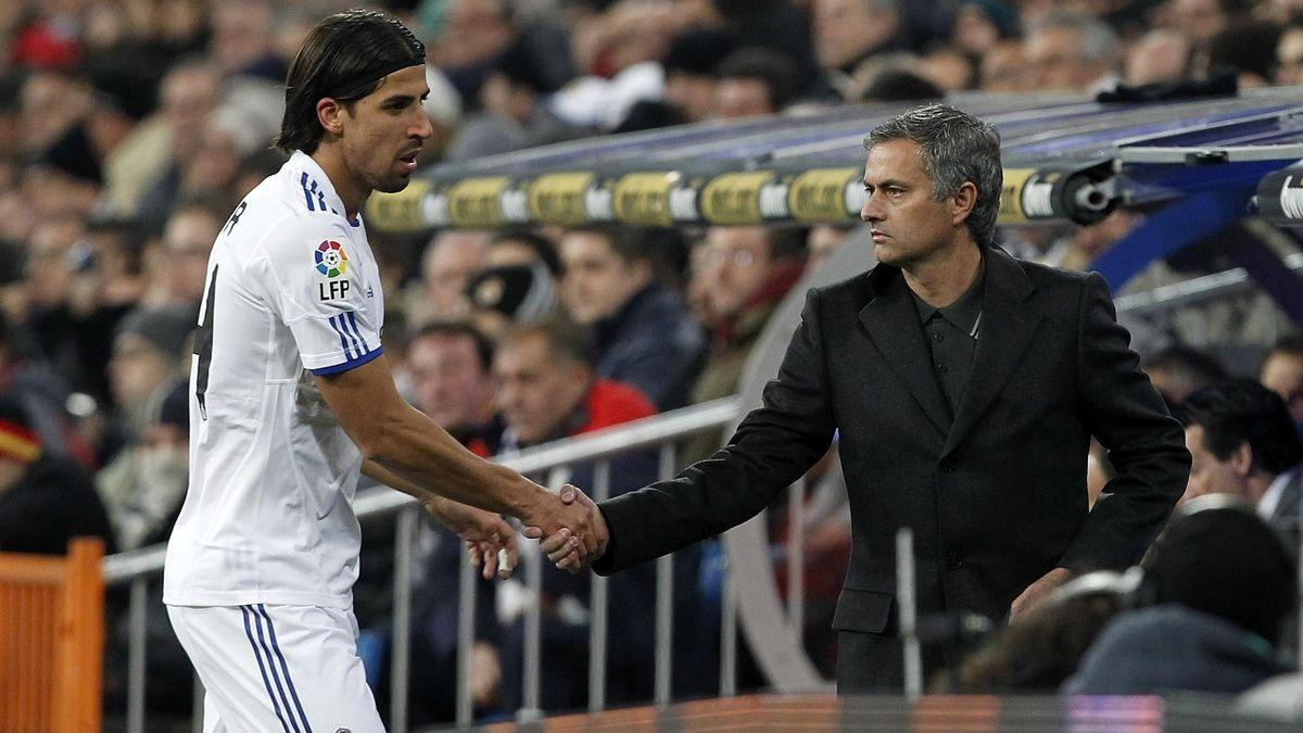 Tiền vệ: Sami Khedria