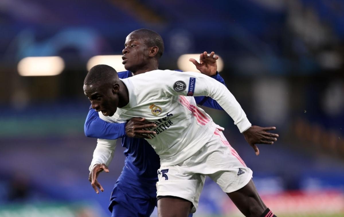 Đội chủ nhà có ít nhất 3 cơ hội đối mặt với thủ môn Courtois để nâng tỉ số lên 2-0, nhưng đều bỏ lỡ một cách đáng tiếc.