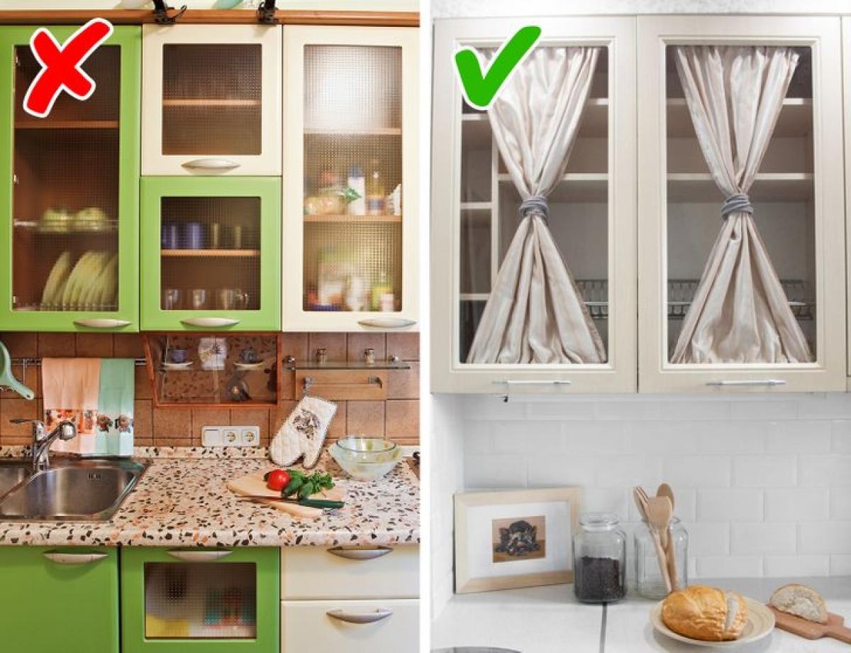 Việc thay đổi một vài chi tiết nhỏ không tốn quá nhiều tiền mà lại khá dễ dàng. Thay rèm cửa cho tủ bếp, đổi màu sơn tủ bếp, sử dụng chất liệu đặc biệt để dán tường bếp... Vậy là bạn đã có một không gian bếp hoàn toàn mới.