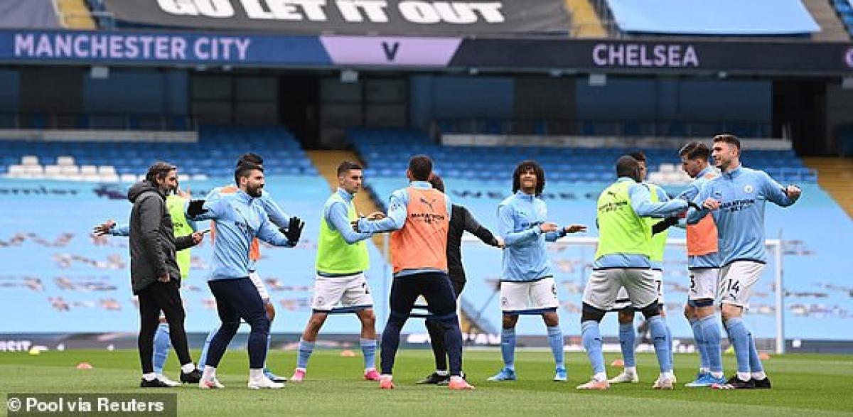 Man City tung cả Aguero và Jesus vào sân ngay từ đầu. (Ảnh: Reuters).