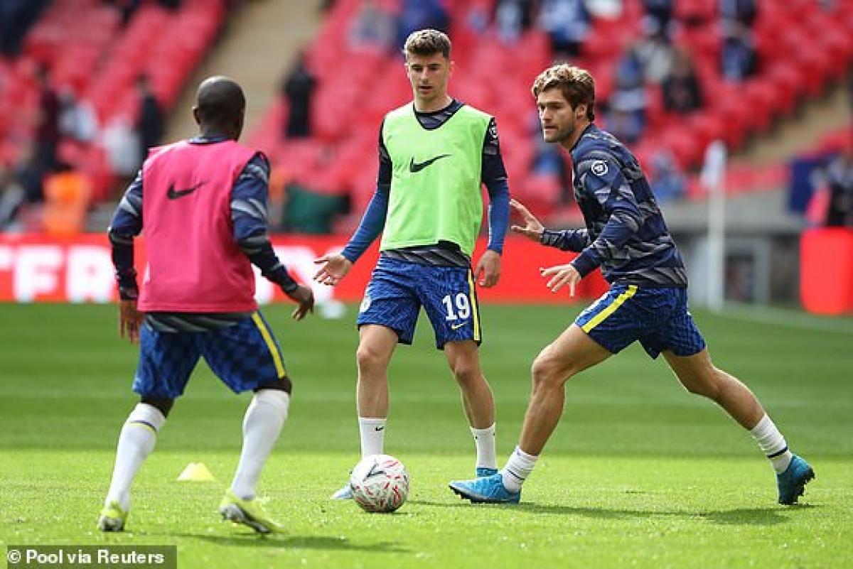 Mount đá chính hộ công cho Werner bên phía Chelsea. (Ảnh: Reuters).