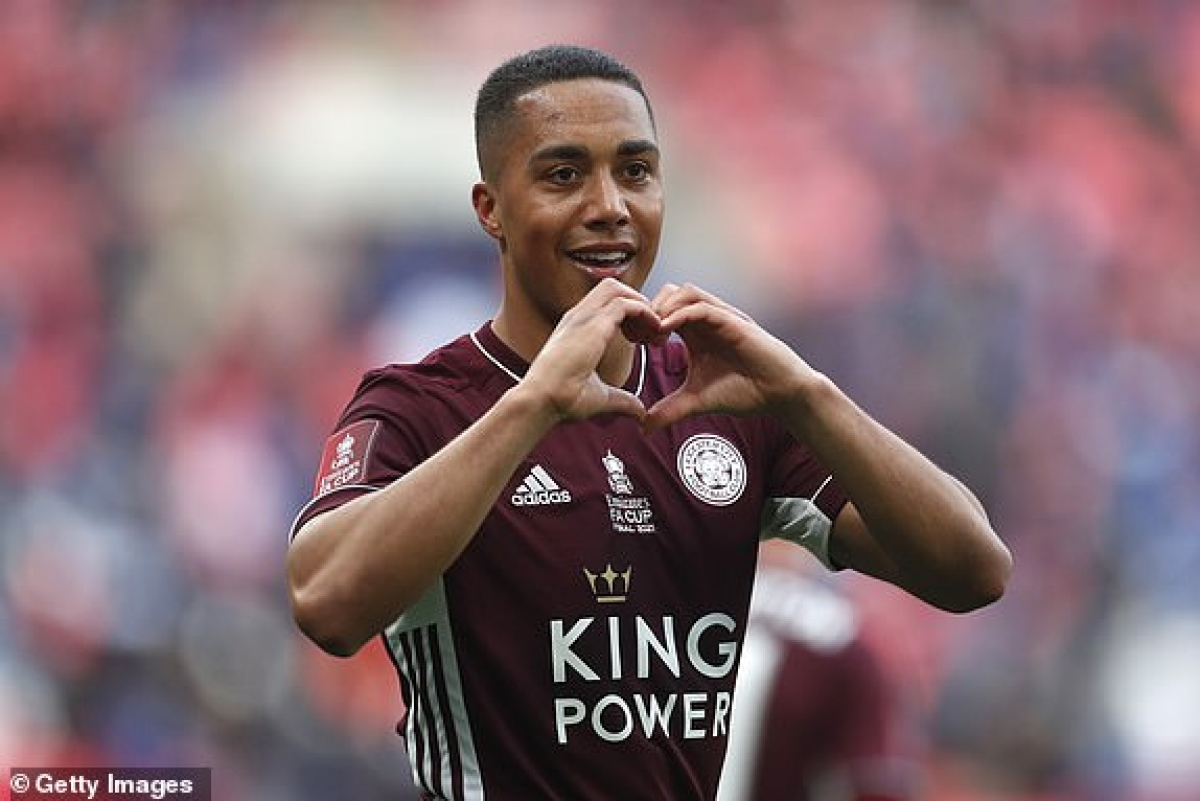 Cầu thủ Bỉ ăn mừng bàn thắng mở tỷ số cho Leicester City. (Ảnh: Getty).