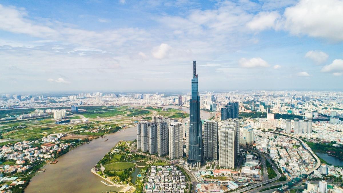 TP HCM đề ra mục tiêu trung và dài hạn, đến năm 2025 là đô thị thông minh, thành phố dịch vụ, công nghiệp theo hướng hiện đại, giữ vững vai trò đầu tàu kinh tế... (Ảnh minh họa: KT).